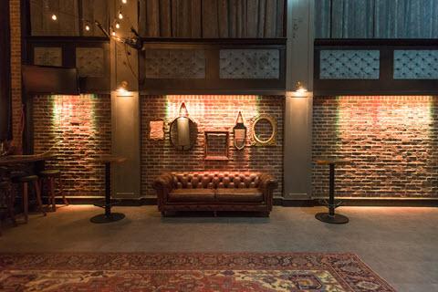 Joe's Apartment, Oriental Rug 5